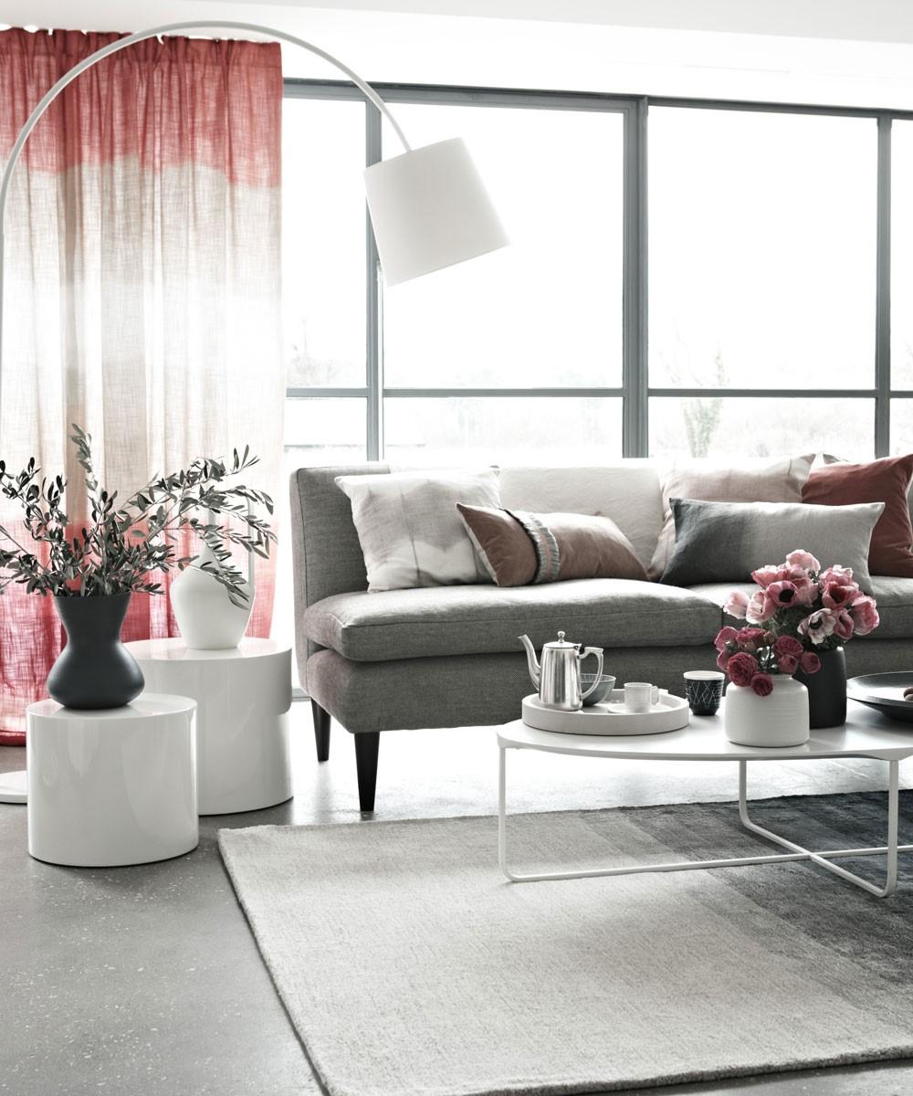Roze met grijze woonkamer, heel modern en stijlvol design