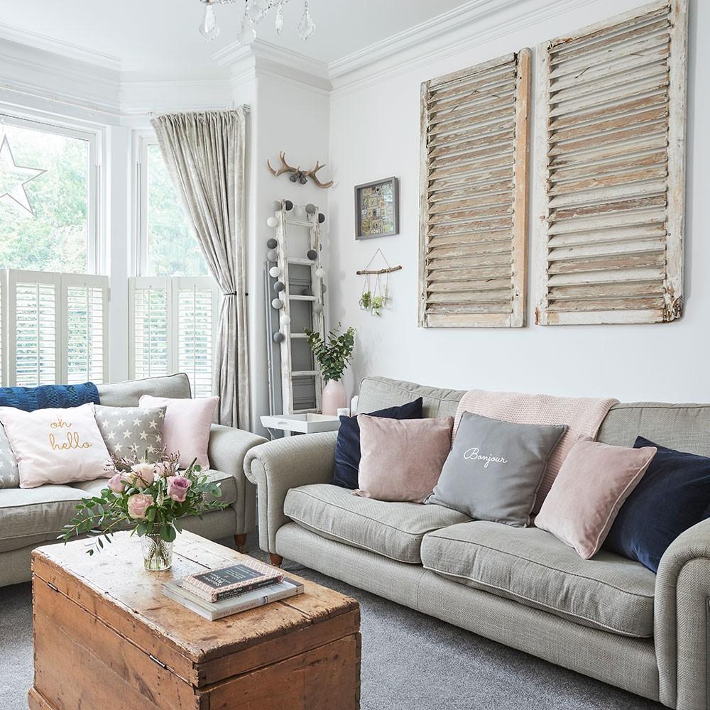 Woonkamer vintage meubels combineren met diverse kleuren grijs