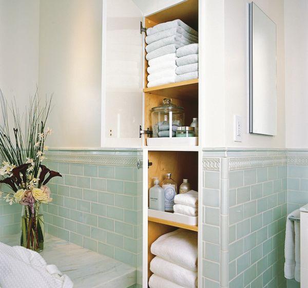 Badkamer opbergruimte verwerkt in de muur