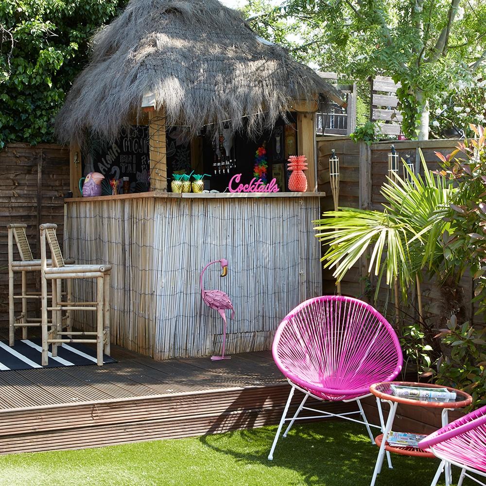Buitenbar voor in de tuin, bepaal zelf je stijl, deze in Hawaii stijl