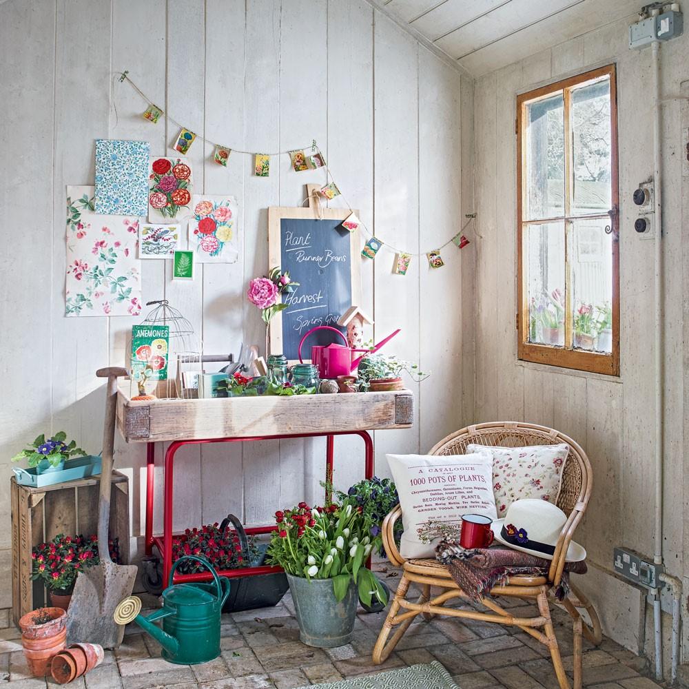 DIY, zelf je tuinhuisje ombouwen tot zomerhuisje