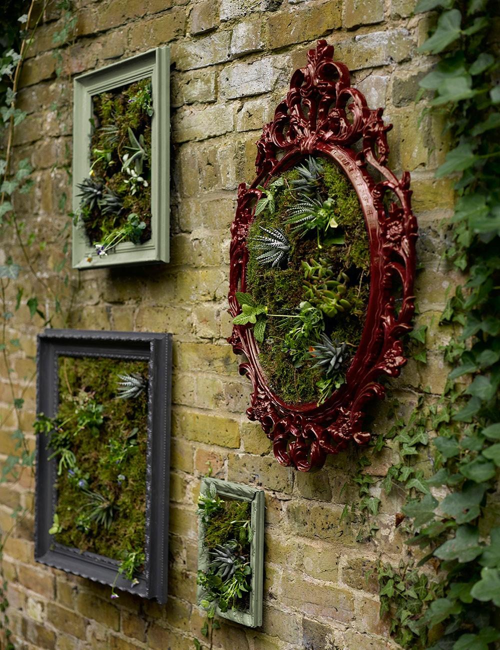 Eigen gemaakte muur decoratie voor in de tuin