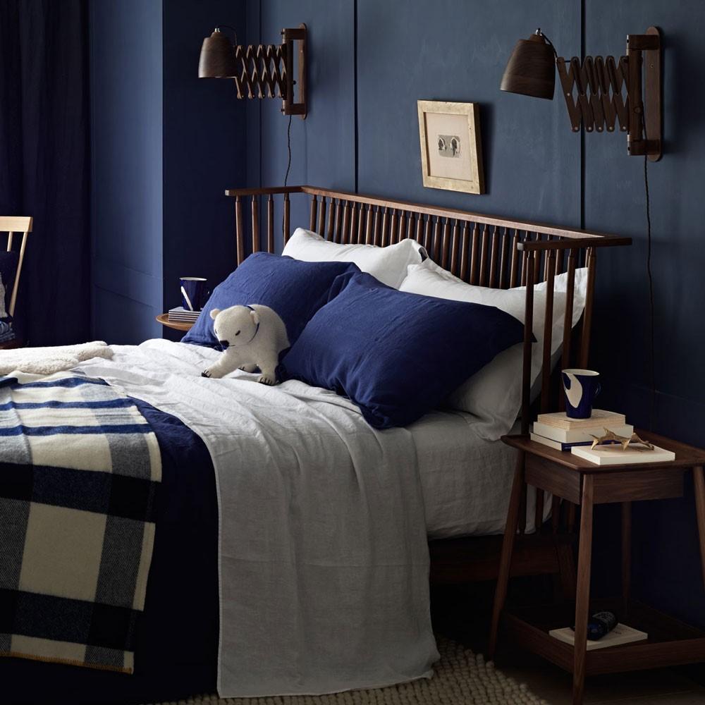 Geweldig mooie blauw geverfde slaapkamer met super leuke decoratie en lampen