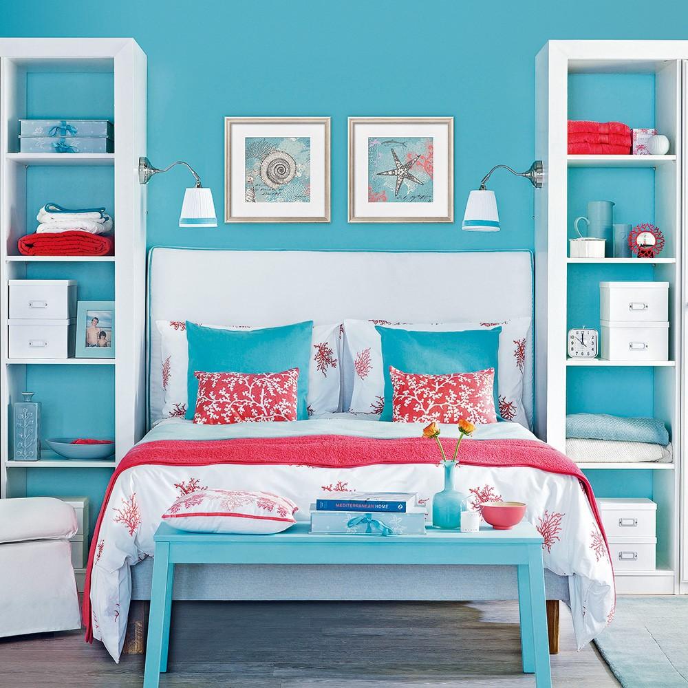 Heerlijk licht blauw voor in de slaapkamer voor op de muur en bijpassend tafeltje