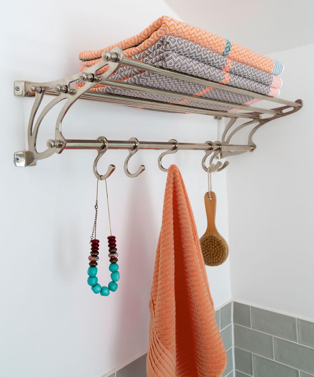 Kapstok in badkamer
