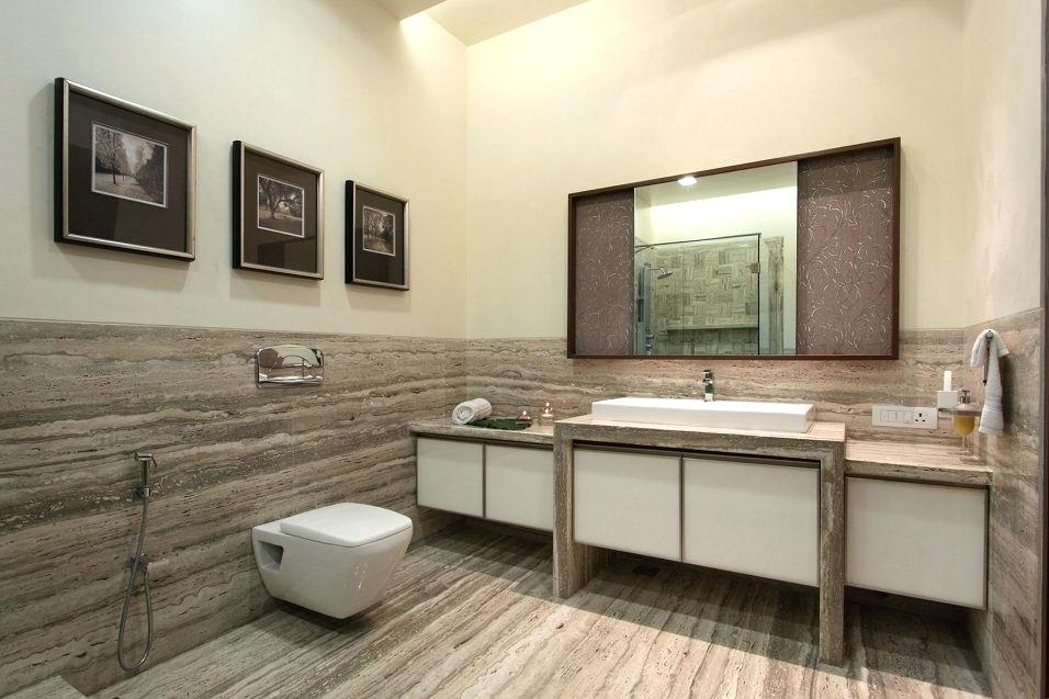 Laminaat op de badkamer muren
