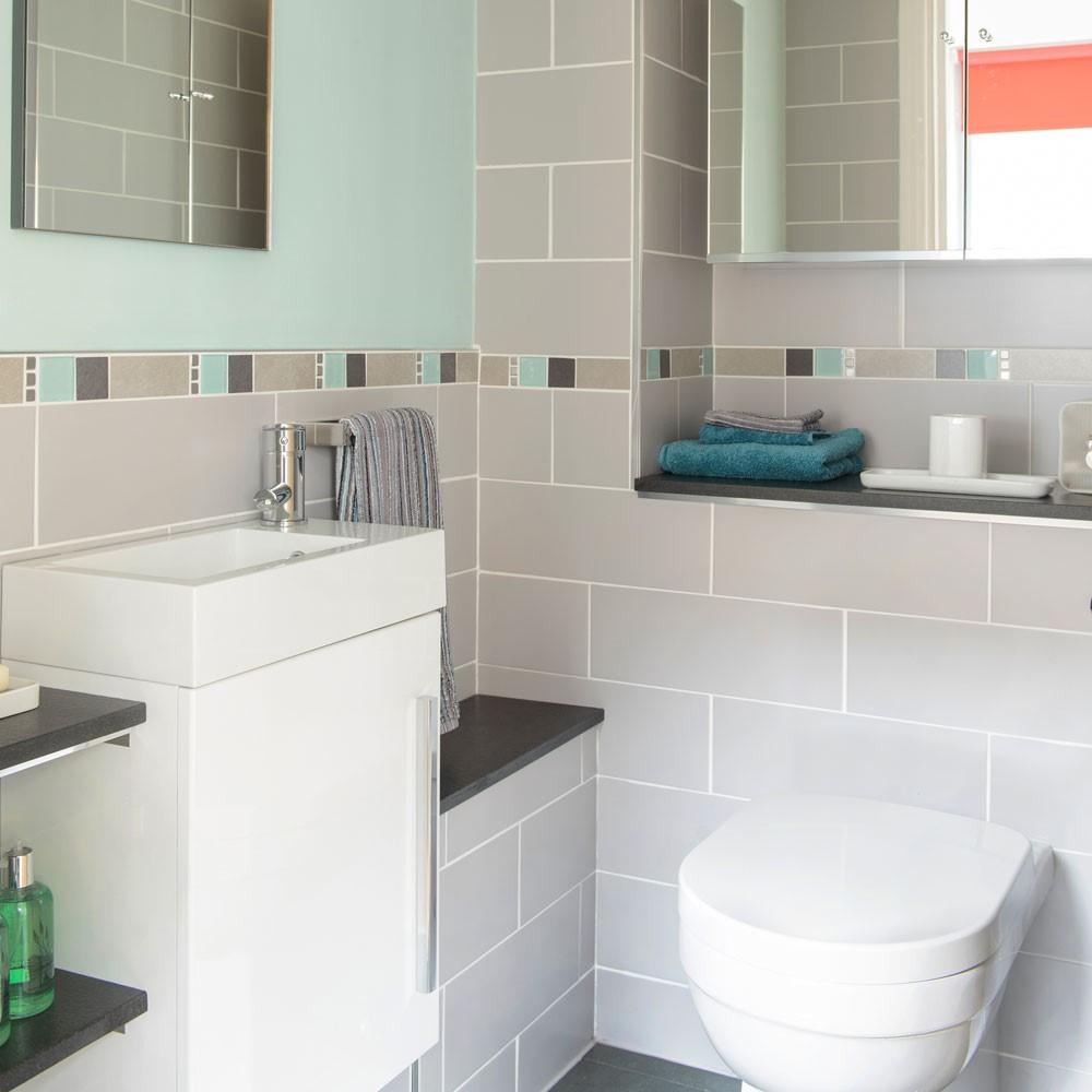 Verborgen leidingen, extra ruimte voor handdoeken in de badkamer