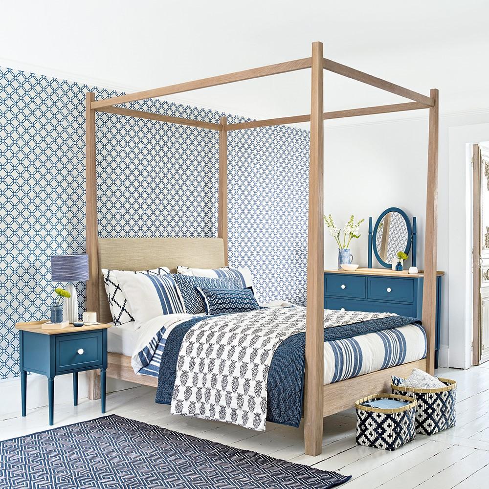 Wederom de perfecte slaapkamer combinatie van blauw en hout